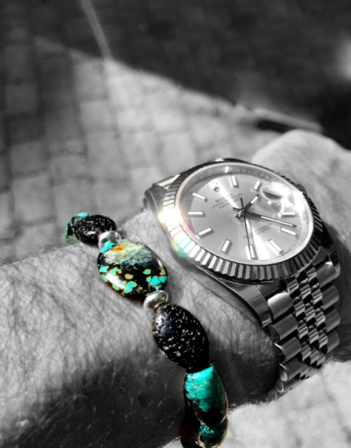 Ray of Light on watch and bracelet.Vinchesi